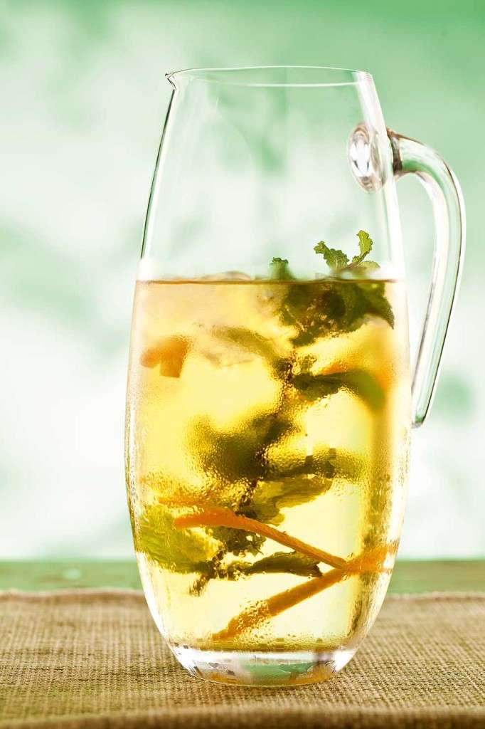 Chá de menta com laranja e mel