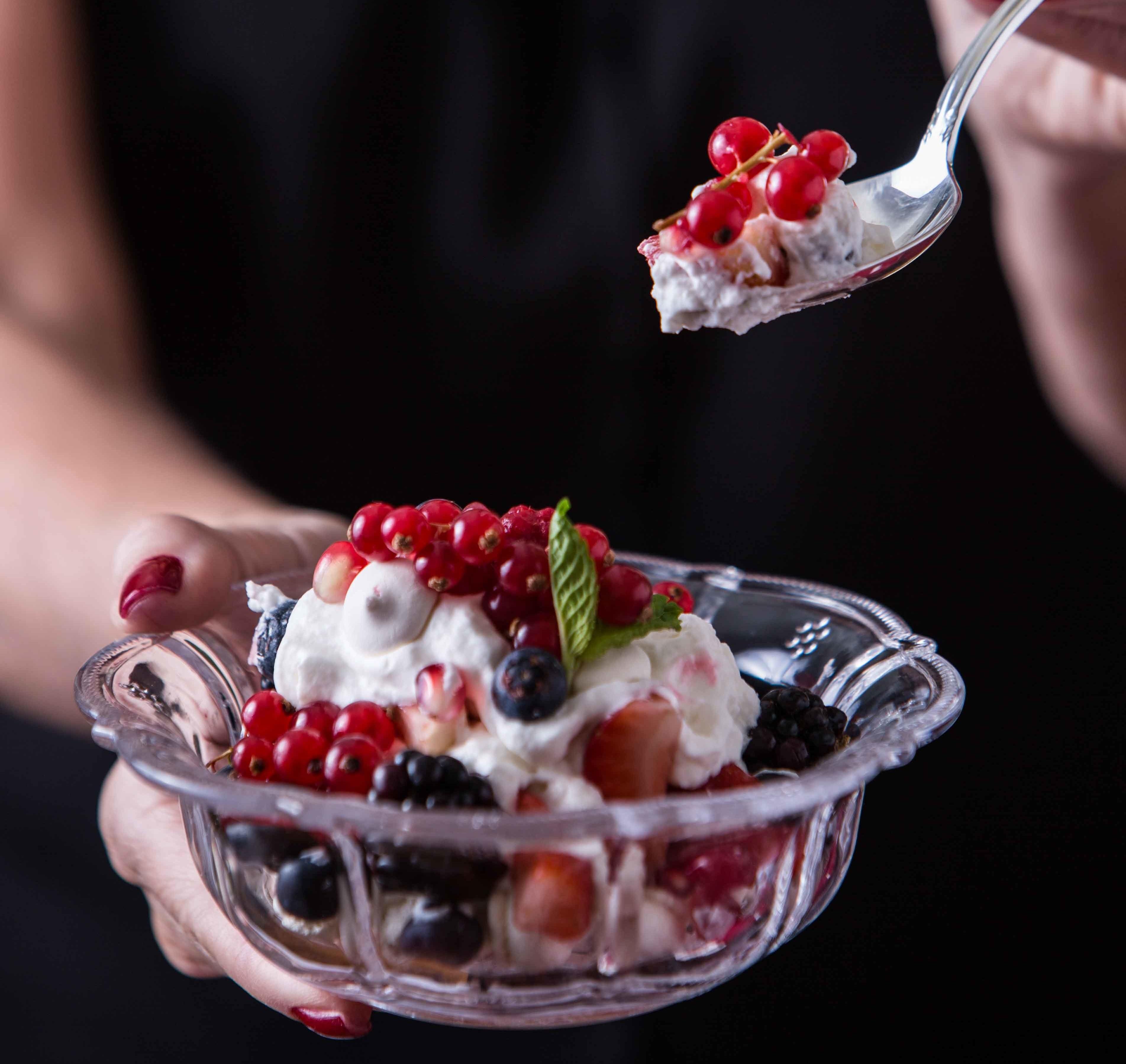 Photo of Merengue de  frutas vermelhas