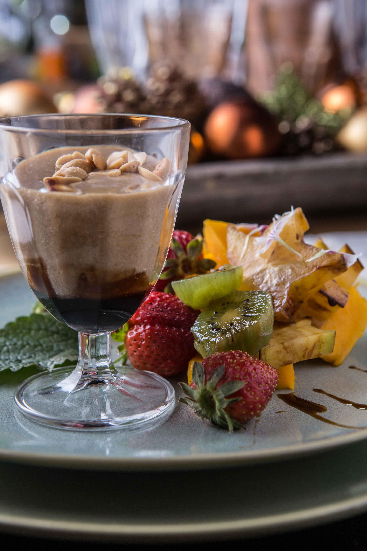 Photo of Frutas da estação com azeite de trufas e doce de leite