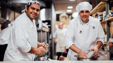 Photo of Projeto Adote um Cozinheiro financia estudantes de gastronomia de baixa renda