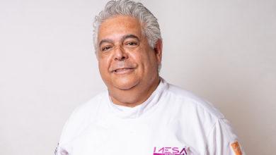 Photo of Chef Carlos Ribeiro cozinha no Rota do Acarajé