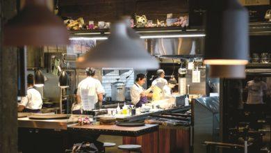 Photo of Chefs colombianos cozinham em A Casa do Porco