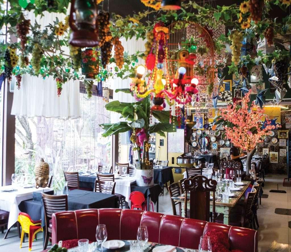 Universal Diner - Mara Alcamin - Obrigada, Shiva!