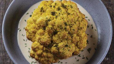 Photo of Couve-flor assada e farofa de cenoura e milho