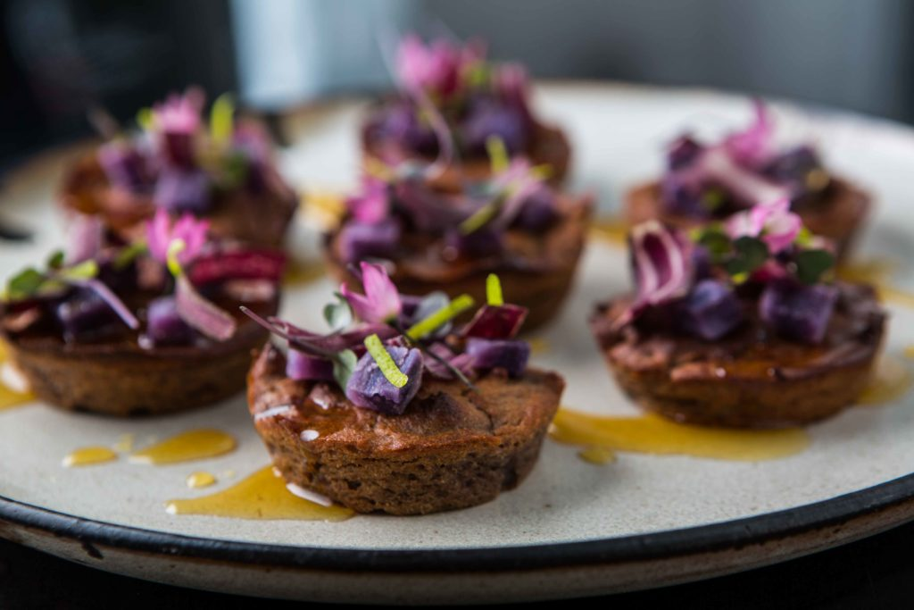 Bolo de batata-doce-roxa