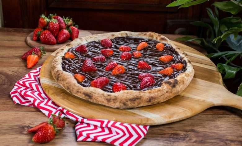 1900 Pizzeria - Pizza vegana Chocolate com morango - CRÉDITO ALAN SIMARO