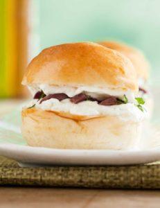 Sanduíche de minibrioche | Foto: arquivo PDM