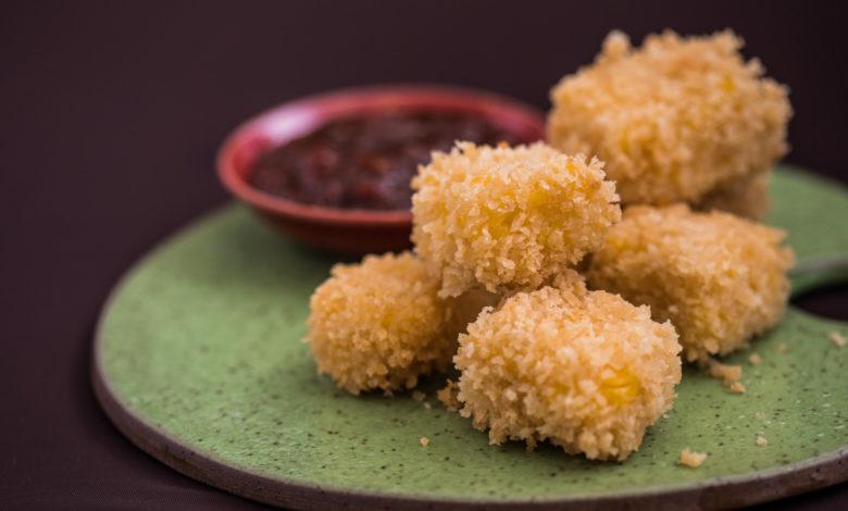 Nugget de pamonha com molho de goiabada Fotos: Ricardo D'Angelo