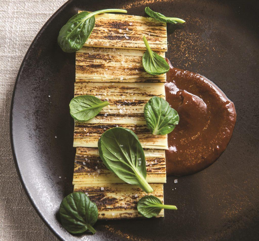 Vegetariana_Pupunha assada na lenha com BBQ de bananada   Foto: RJ Castilho