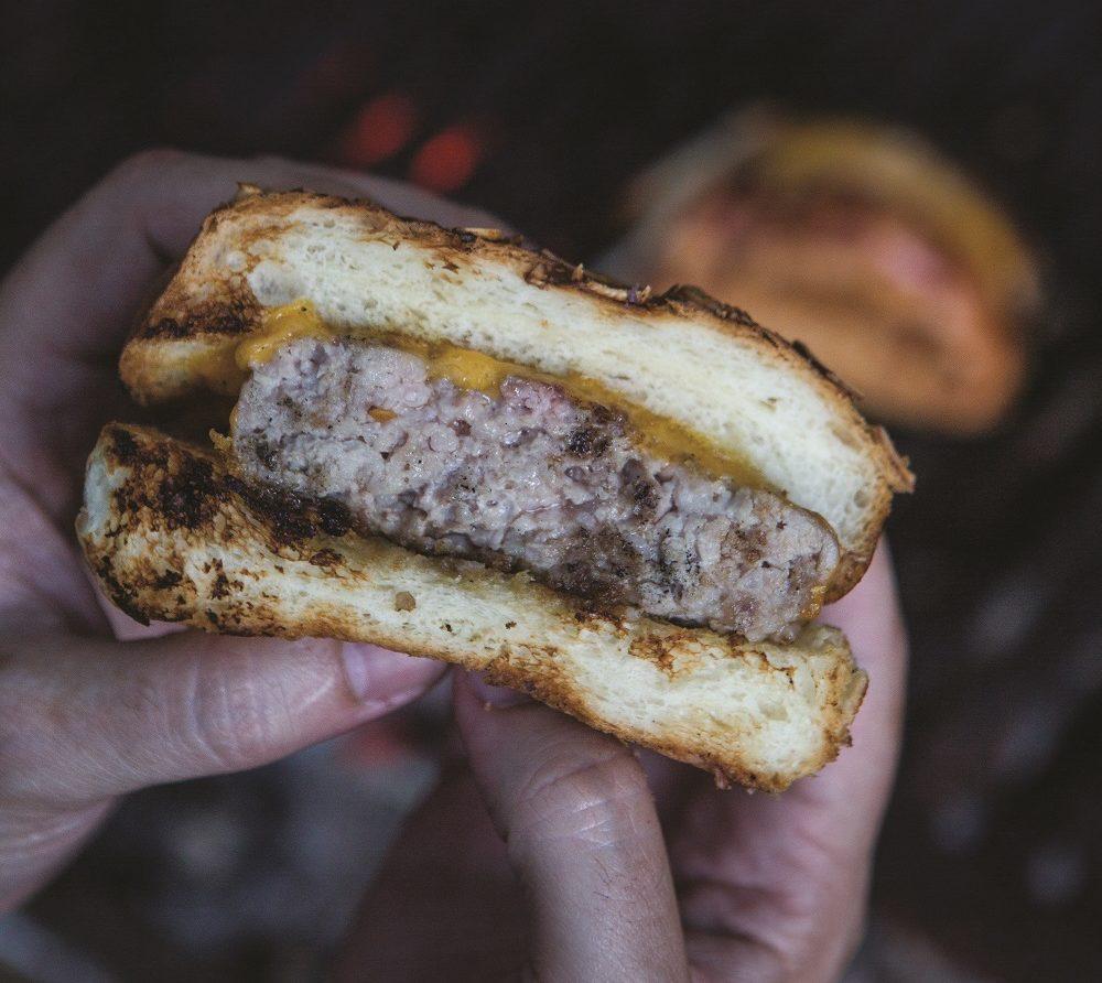 Hambúrguer de porco | Foto: RJ Castilho