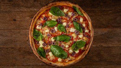 Pizza caprese de tabuleiro | Foto: Tomás Rangel, divulgação